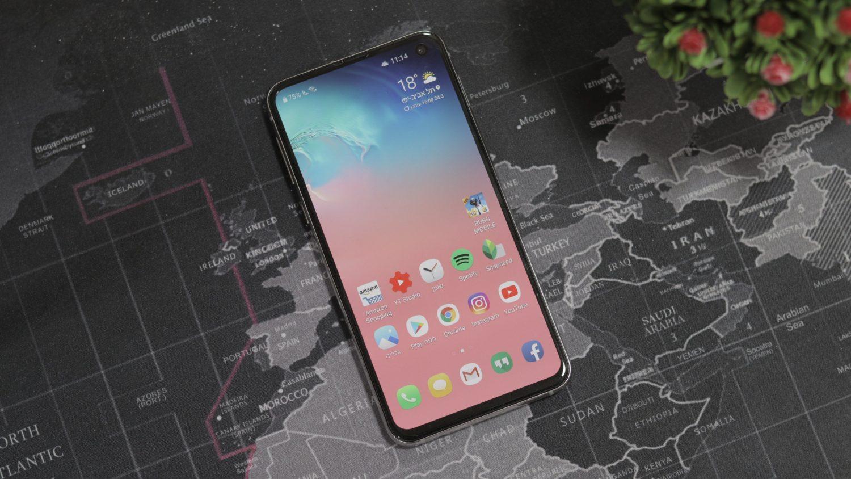 הבחירה החכמה - סיקור Galaxy S10e
