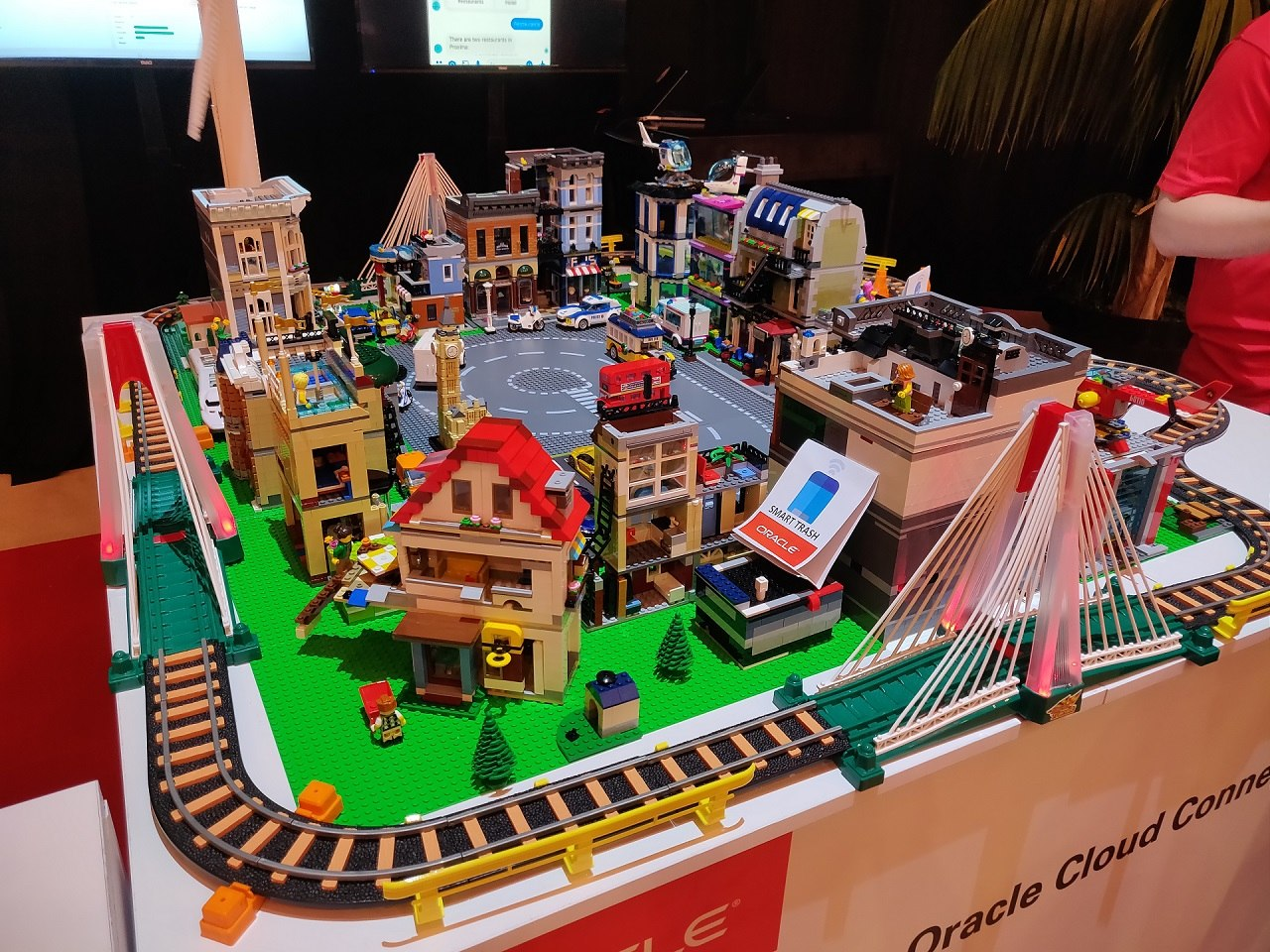 Oracle Cloud Day 2019 Israel Smart City from lego